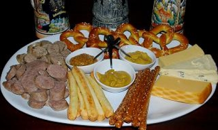 Simple German Sausage, Cheese and Pretzel Platter | Chatty